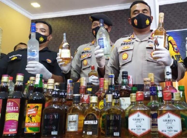 Ribuan Minuman Impor Disita Petugas, Ini Pelanggaranya