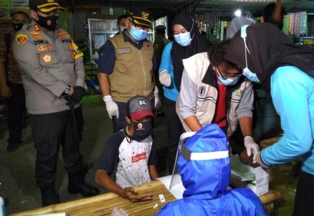 Tak Kenakan Masker Pengunjung Taman Stadion Gajah Madah Berlarian Saat Ada Petugas