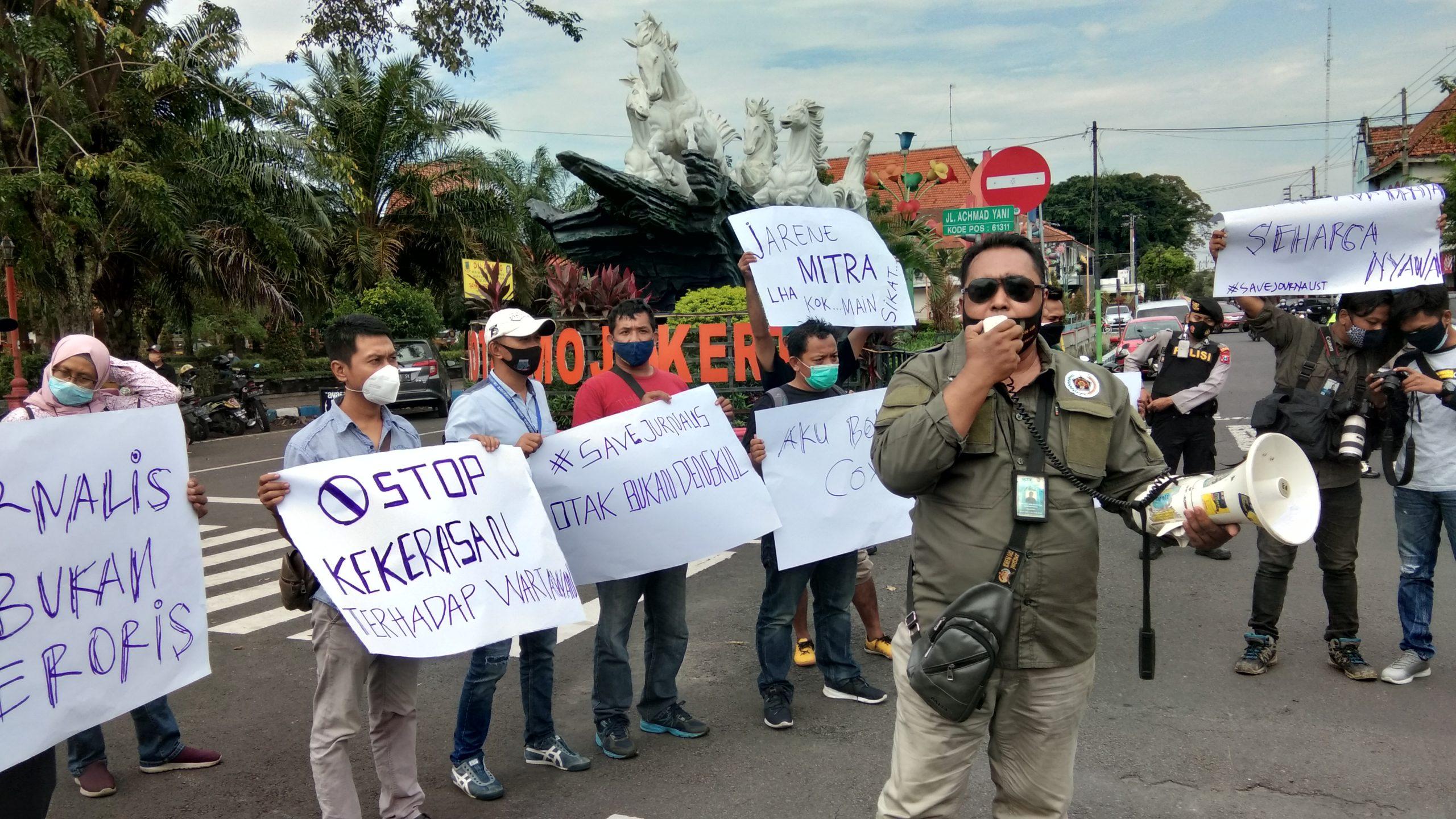 Foto : Aksi wartawan Mojokerto