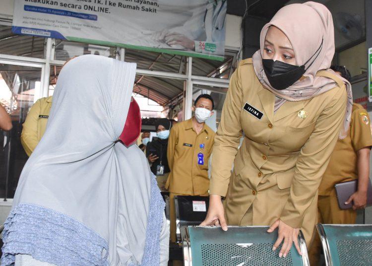 Ikfina Fahmawati, Bupati, Penolakan pasien, fakes, kendaraan dinas, 5 M