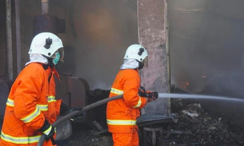 terbakar, kebakaran, gudang minyak, kebakaran jetis, kebakaran gudang minyak