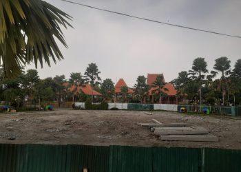 proyek rehabilitas alun-alun, tugu alun-alun, pekerja,